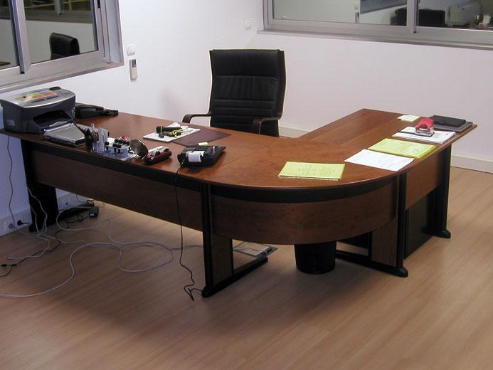 Mobili rio de escrit rio instanor estantes e for Mobiliario de escritorio